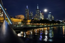 Australia, Victoria, Melbourne, moonlight downtown